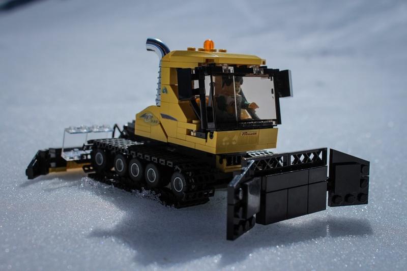 Best Trucks For Snow >> Snow Cat | THE LEGO CAR BLOG