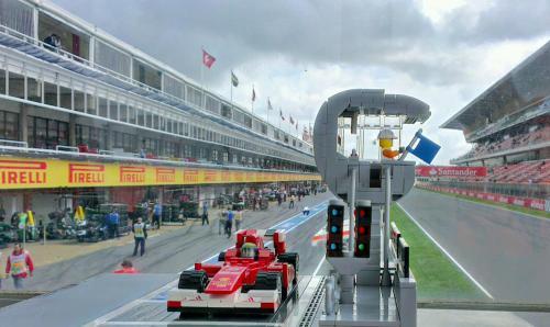 Lego F1 Pitlane