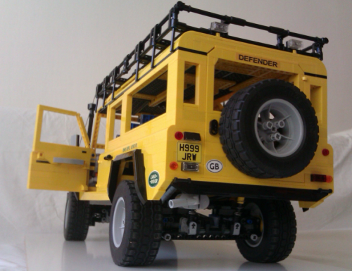 Lego Land Rover Defender Camel Trophy