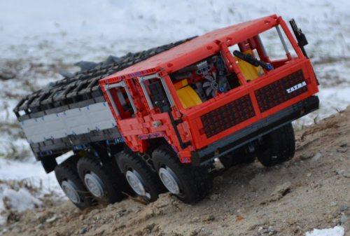 Technic Tatra T813 Kolos