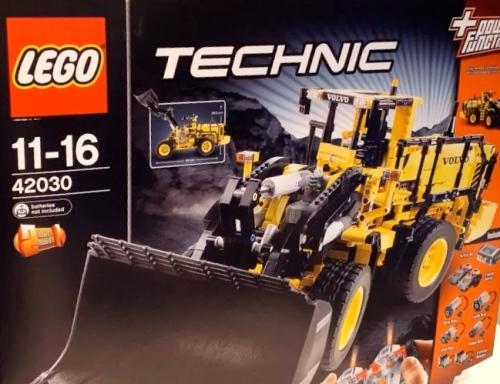technic 42030 volvo front loader preview the lego car blog. Black Bedroom Furniture Sets. Home Design Ideas
