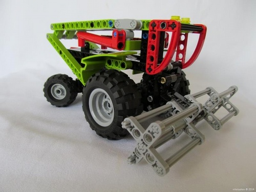Lego Mini Combine Harvester