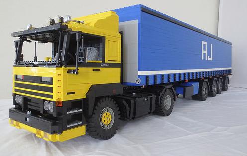 Lego DAF 2700 Truck
