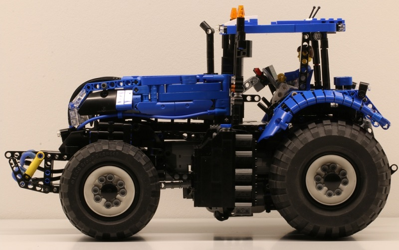 lego technic new holland tractor the lego car blog. Black Bedroom Furniture Sets. Home Design Ideas