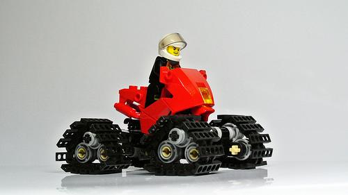 Red Tracks 02