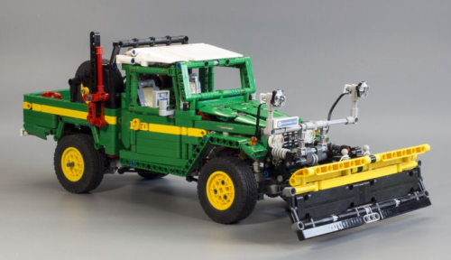 Lego Technic Toyota Land Cruiser Plough