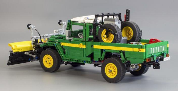 Lego Toyota Land Cruiser FJ45   THE LEGO CAR BLOG