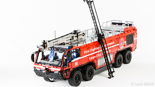Lego Technic Airport Crash Tender