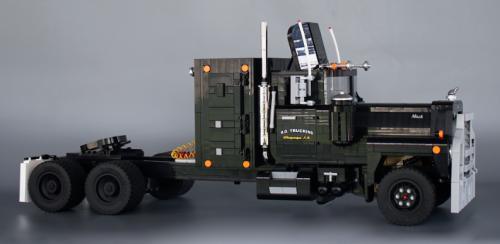 Lego Mack RL700L Rubber Duck Convoy Truck