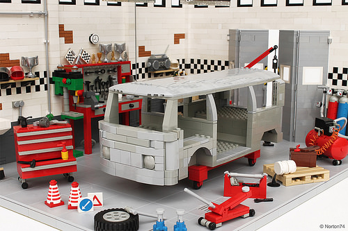 Lego VW Transporter Workshop