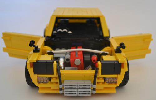 Lego Nissan Skyline 2000 GT-R