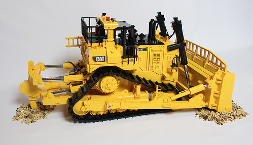 Lego Cat Bulldozer