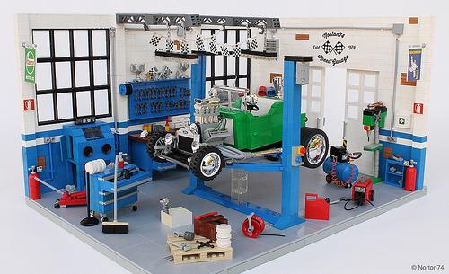 Lego Hot Rod Garage