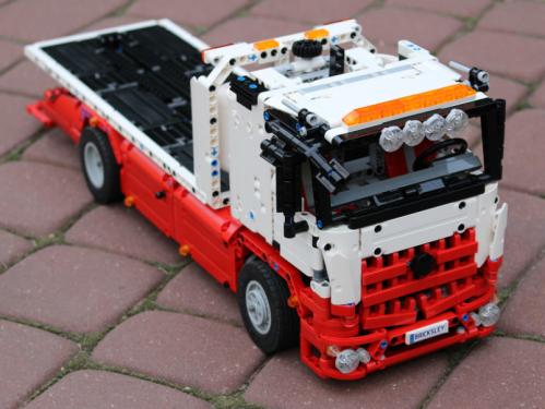 Lego Mercedes-Benz Arocs Truck