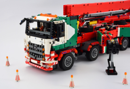 Lego Technic Mercedes-Benz Arocs RC