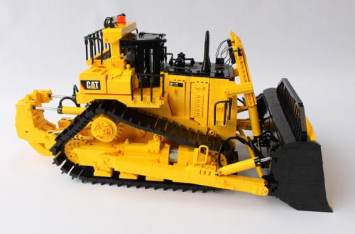 Lego Caterpillar D11t Remote Control Bulldozer