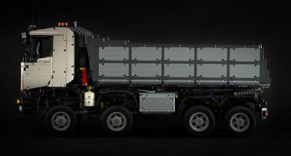 Lego Technic Iveco Trakker Dump Truck 8x8