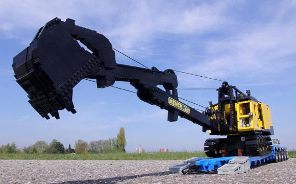 Lego Menck M154 dragline excavator