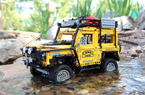 Lego Land Rover Camel Trophy