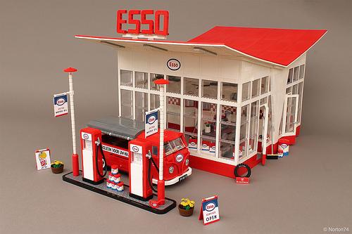 Lego Esso Garage 1953 Norton74