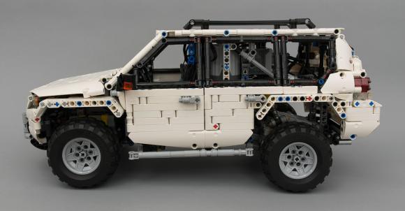 Lego Technic Toyota Prado 4x4 Remote Control