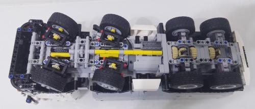 Lego Technic 8x8 RC