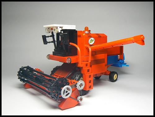Lego bizon zo56 comine the lego car blog - Moissonneuse cars ...