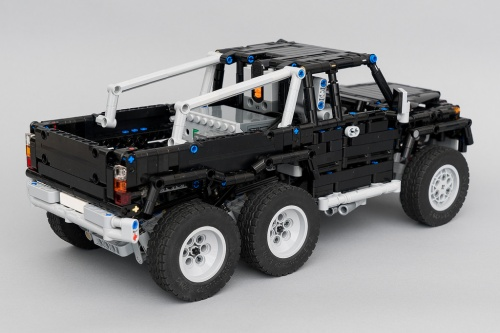 Lego Technic Mercedes-Benz 6x6 RC