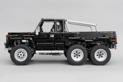 Lego Mercedes-Benz G-Wagon 6x6 RC