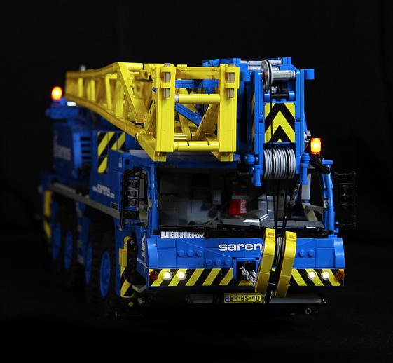 Lego Liebherr LTM 1090 4.1 Crane Sarens