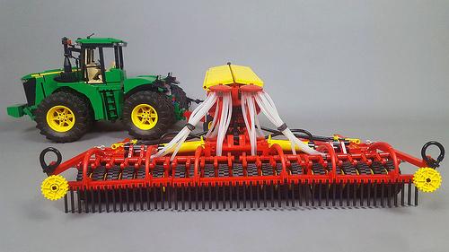 Lego John Deere 9560R & Vaderstad RDA 800C