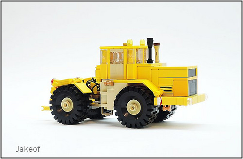 Lego Kirovets K-700A Tractor
