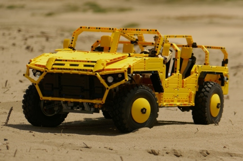 Lego Technic RC Nimr Ajban SOV