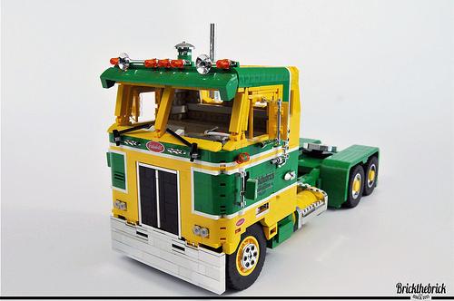 Lego Peterbilt 352 Cabover