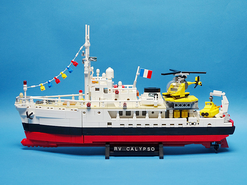 Lego RV Calypso Research Boat