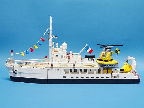 Lego RV Calypso Research Boat