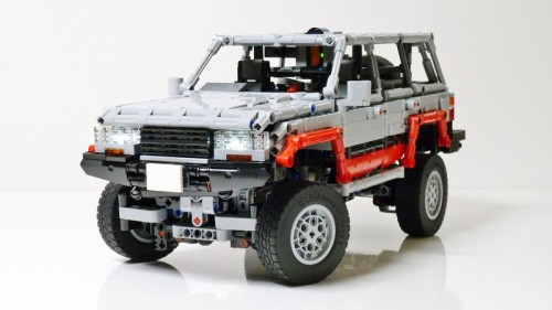 Lego Toyota Land Cruiser 80 Series Remote Control