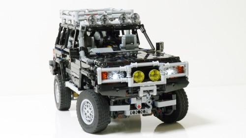 Lego Toyota Land Cruiser 80 RC