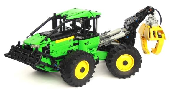 Lego Technic John Deere 648L Skidder