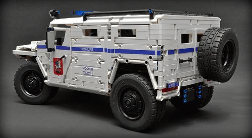 Lego Technic GAZ Tigr SPM-2
