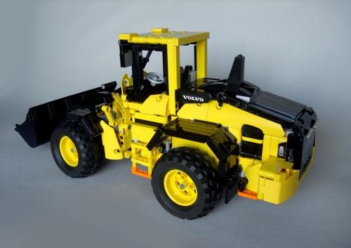 Lego Technic Volvo L120H Wheel Loader