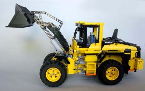 Lego Technic Volvo L120H Wheel Loader