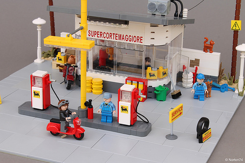 Lego AGIP Gas Station