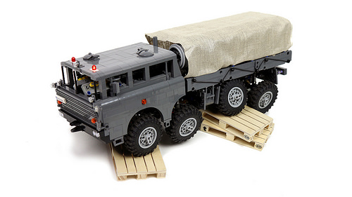 Lego Tatra T-813 8x8 Kolos Remote Control