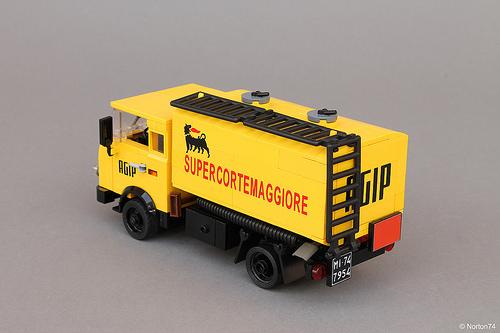 Lego OM Leoncino AGIP Tanker