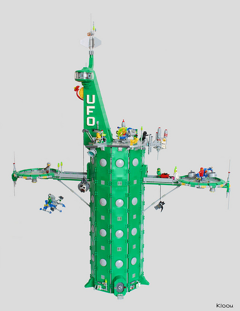 Lego Classic Space Tower