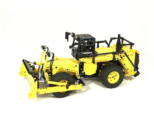 Lego Technic Wheel Dozer RC
