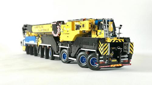 Lego Liebherr LTM 1750 Mobile Crane