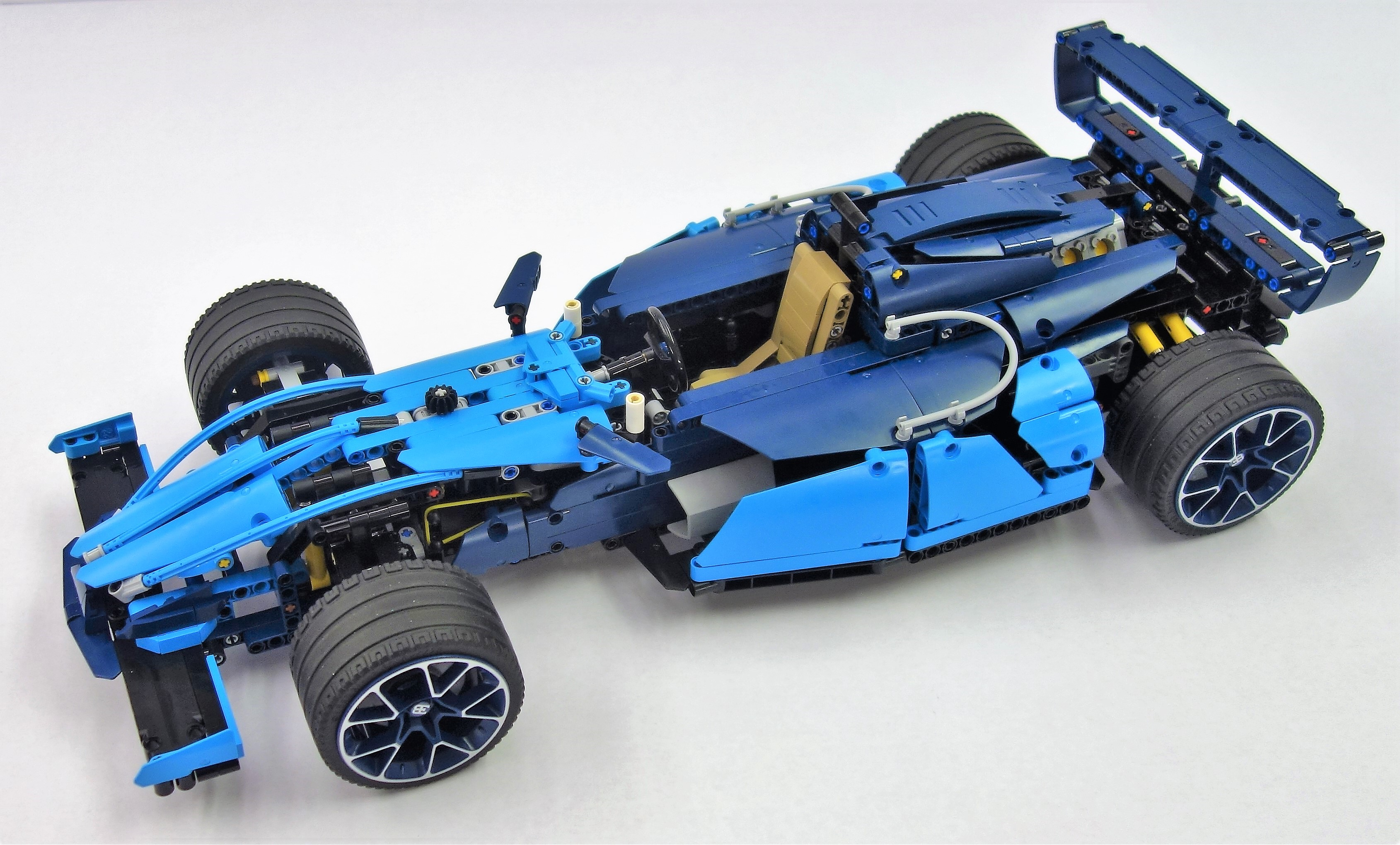 lego technic 42083 b model the lego car blog. Black Bedroom Furniture Sets. Home Design Ideas