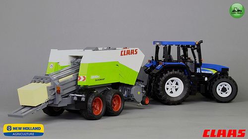Lego New Holland TM140 + Claas Quadrant 2200